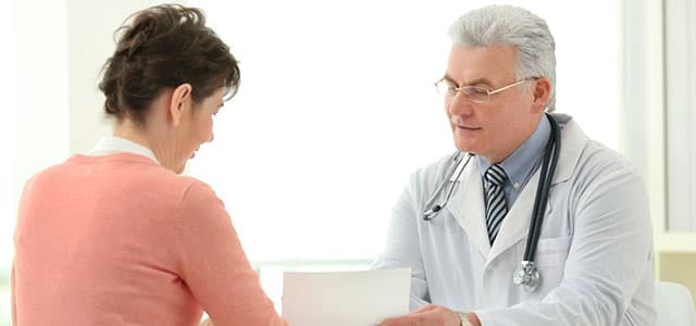 recovery-shutter388229179-doctor-consulting-with-patient